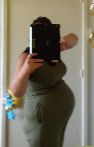 Deze foto is van Barbara 31 weken zwanger van een meisje