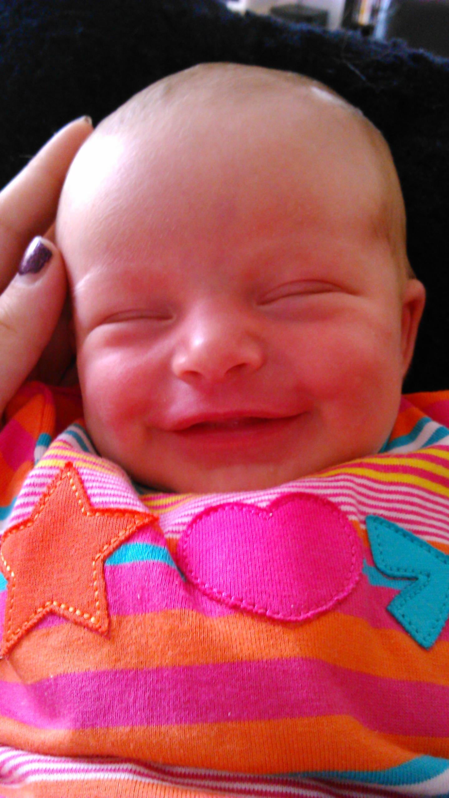 Geboren op: 27 juli 2014 - Femke is een heel rustig, tevreden en nieuwsgierig kindje.